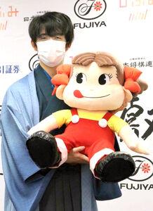 史上最年少の19歳1か月で三冠を達成した藤井聡太新叡王