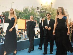 1997年、ベネチア映画祭での「HANA―BI」公式上映に向かう北野武監督(カメラ・中村 健吾)