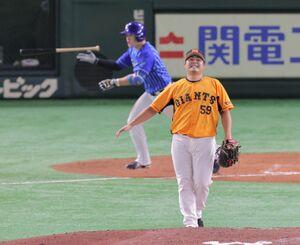7回1死一塁、牧秀悟が勝ち越しとなる17号2ラン本塁打を放つ(投手・田中豊樹)(カメラ・堺 恒志)