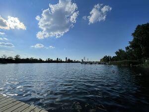 泳いだドナウ運河は透き通った水でした