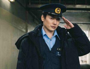 映画「クロガラス0」で警官時代の過去が明かされた神崎黒斗(崎山つばさ)