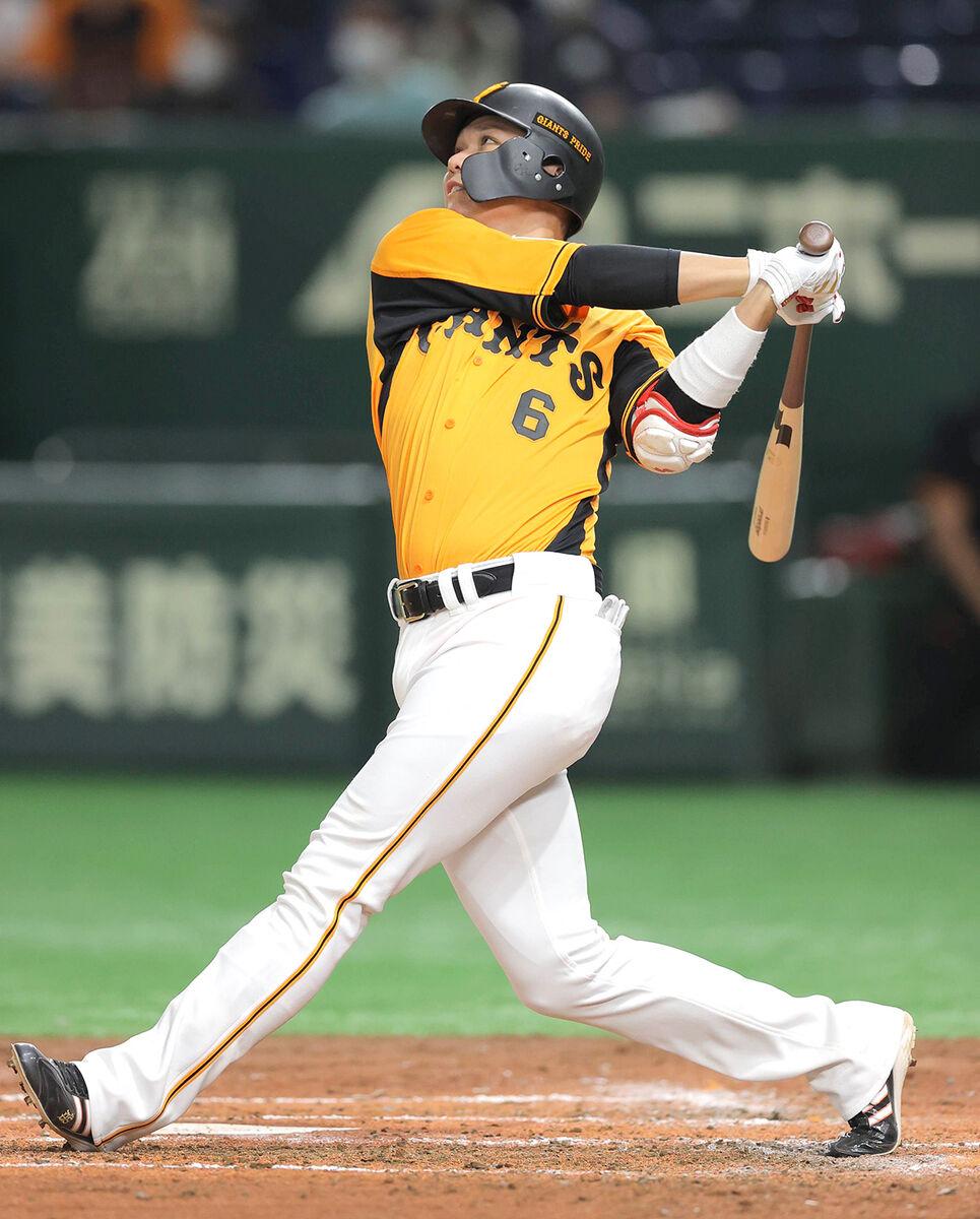 4回無死一塁、坂本勇人が中越え2ラン本塁打(カメラ・相川 和寛)