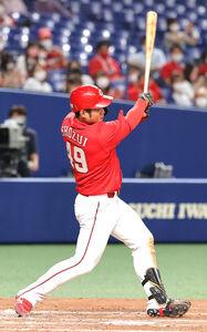 7回1死一、二塁、正随優弥が左翼へ逆転の3ラン本塁打を放つ