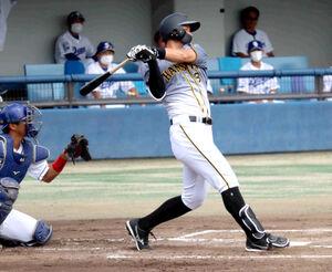 初回1死二塁から中日ドラフト1位右腕・高橋宏から中前適時打を放ち、2軍降格後初打点を挙げた阪神・佐藤輝明内野手