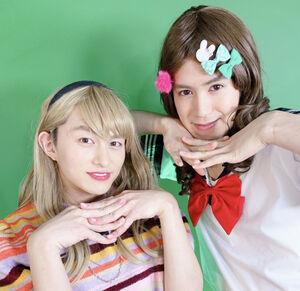 「BOYS AND MEN」の小林豊(左)、平松賢人のユニット「ゆた子とひら子」